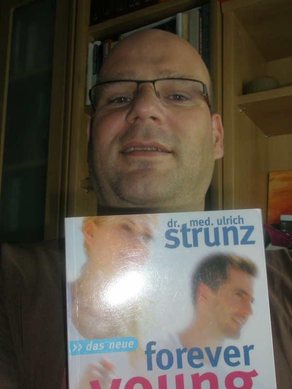 Buchtipp - Dr. Strunz - Forever young